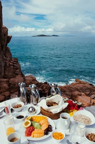 Breakfast on the 'rock' at Constance Lemuria Seychelles