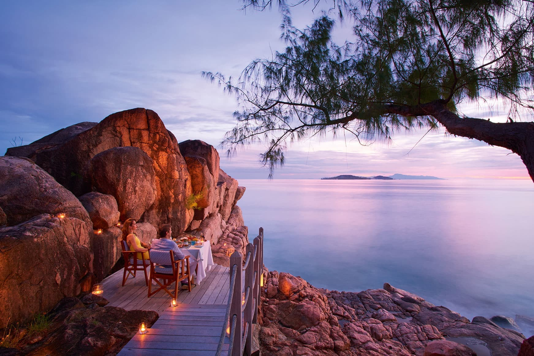 "Dinner ""On The Rocks"" - Constance Lemuria Seychelles"