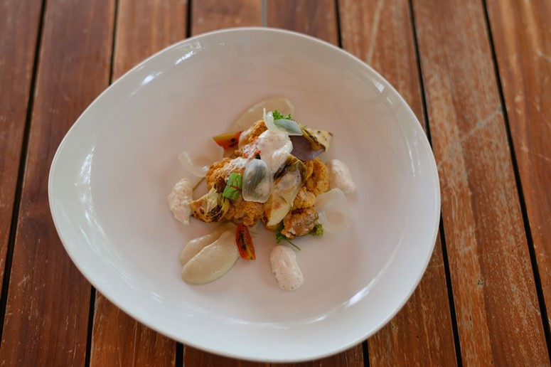 Spicy Tikka Salad|Constance Moofushi