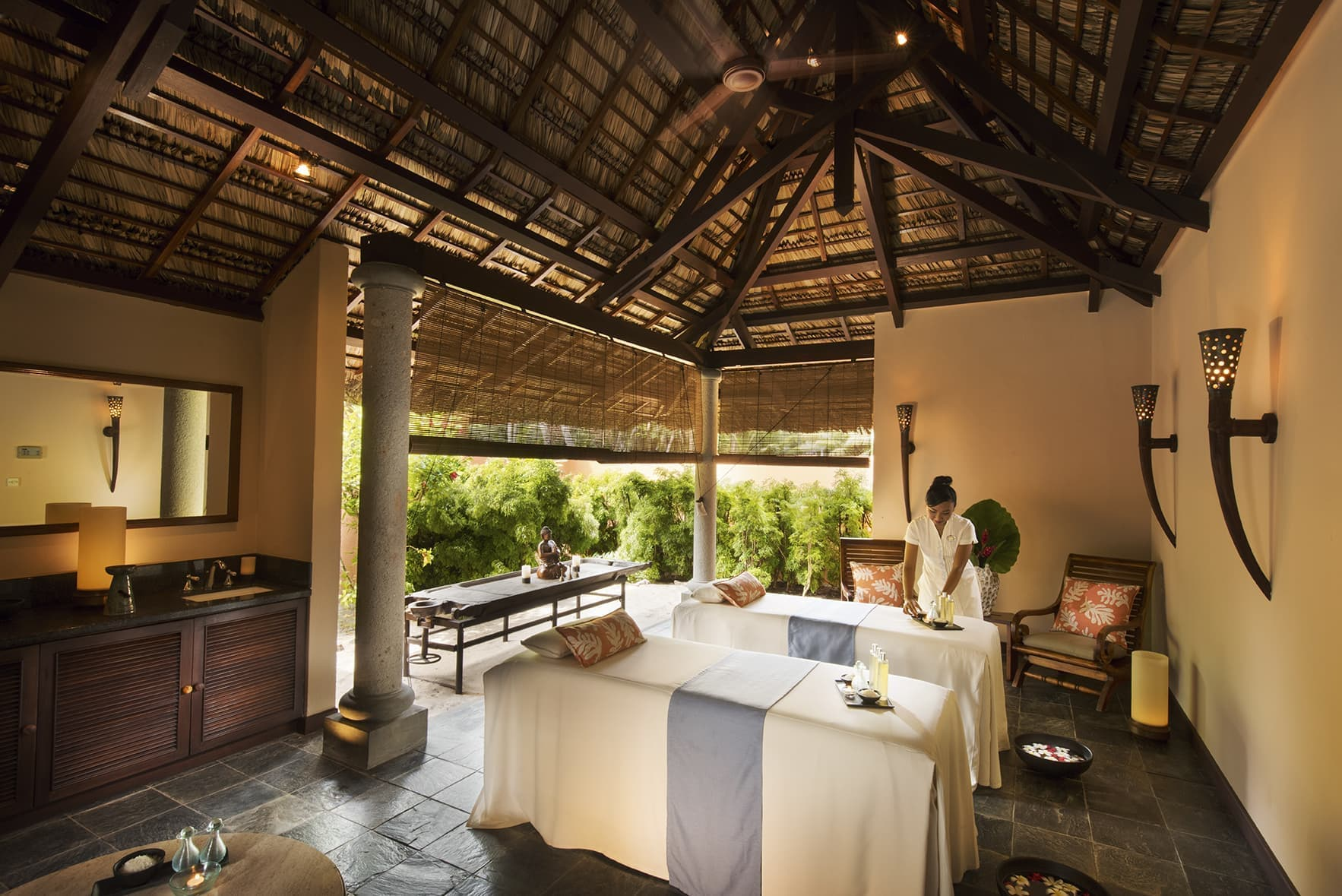 Couple Spa Ritual - Constance Lemuria Honeymoon Seychelles