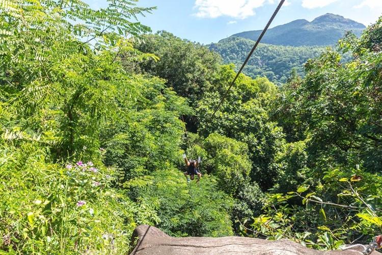 Ziplining-ConstanceEphelia-Seychelles