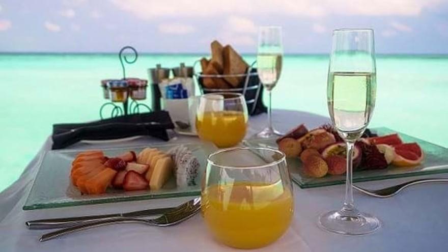 Petit déjeuner à bord d'un Dhoni