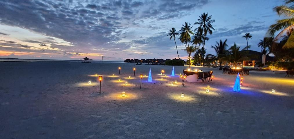 Romantic Beach dinner|Constance Halaveli